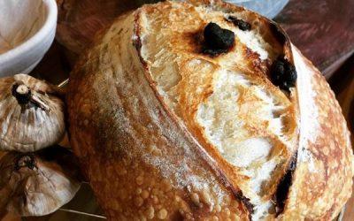 Pão de fermentação levain com Alho Negro