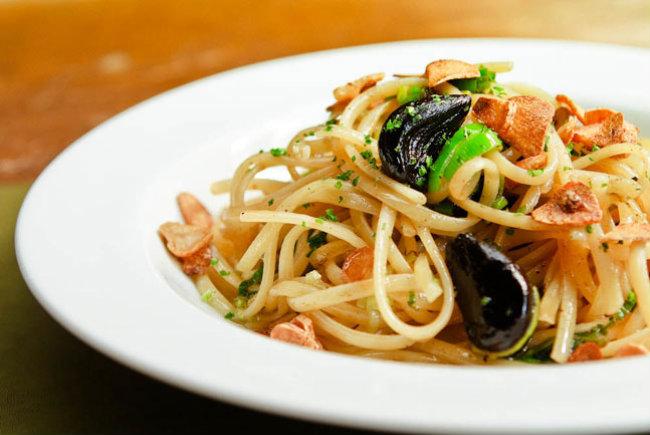 Spaghetti de alho negro
