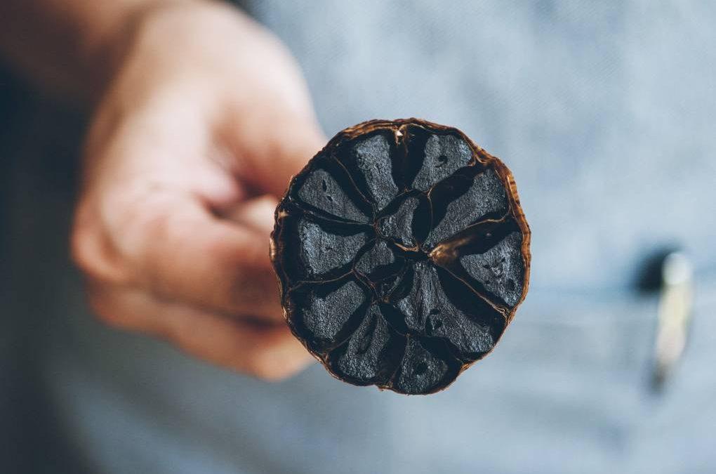 O que é o alho negro