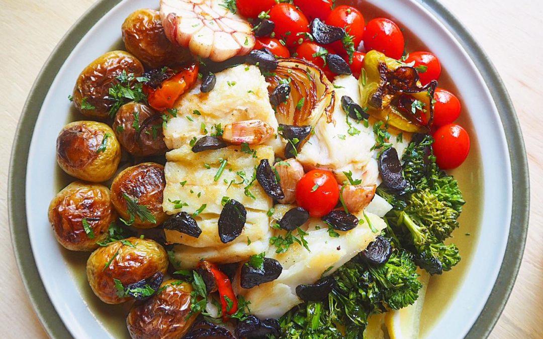 Bacalhau confitado com legumes e Alho Negro